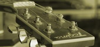 A teraz coś z innej bajki – lekcje gry na gitarze!