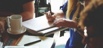 Wakacyjne kursy językowe dla studentów – w kraju czy za granicą?